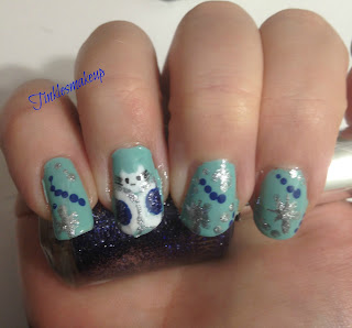 hello_kitty_ice_queen_nail_art