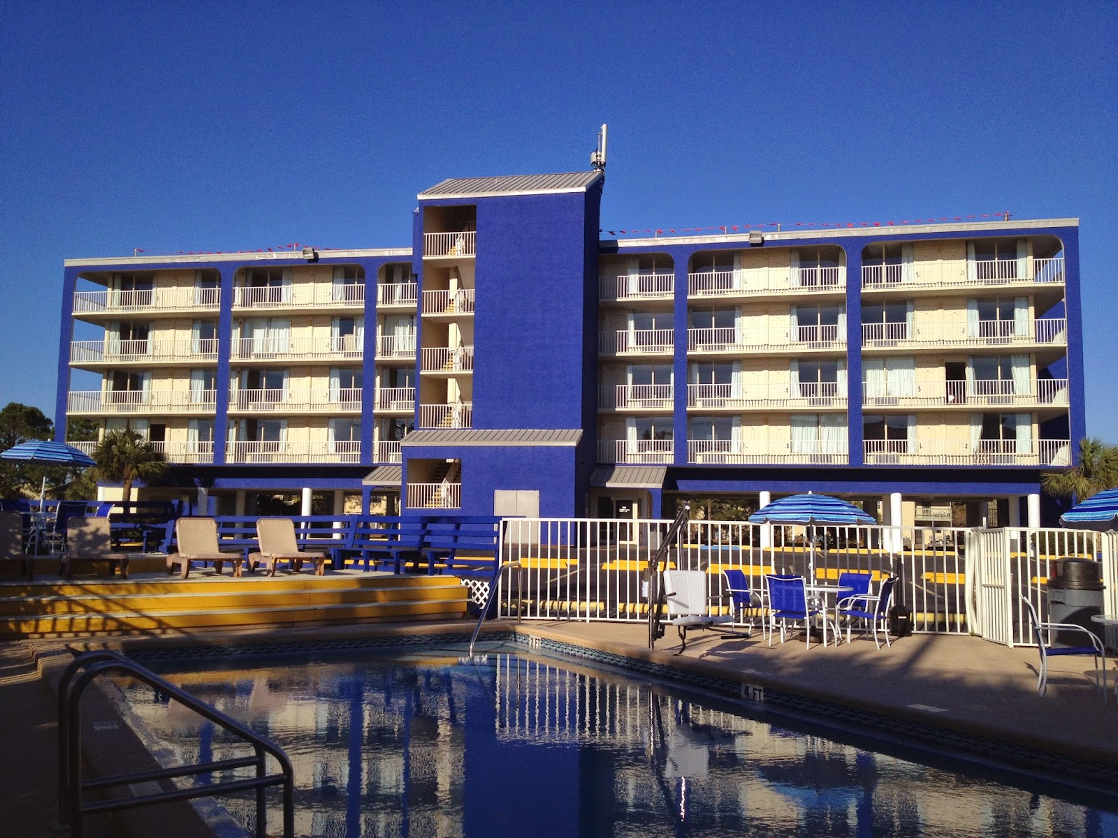 Panama City Hotels: Welcome To Ocean Breeze Hotel: Panama City Beach FL Hotel