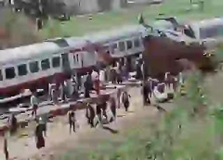 حادث قطار سوهاج و السفينة الجانحة فى قناة السويس