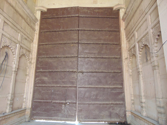 jaipur temple door