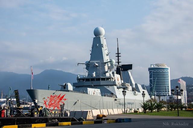 Английский корабль дальнего обнаружения HMS Dragon (D35) прибыл в порт Батуми с дружеским визитом