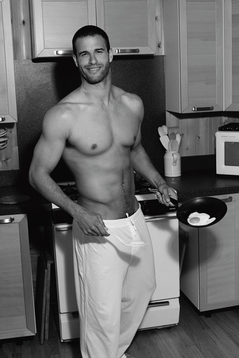 Ben-Pamies-shirtless-hot-daddy-bae