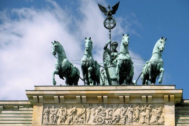 Berlin 2 Day Itinerary: The top of Brandenburg Gate