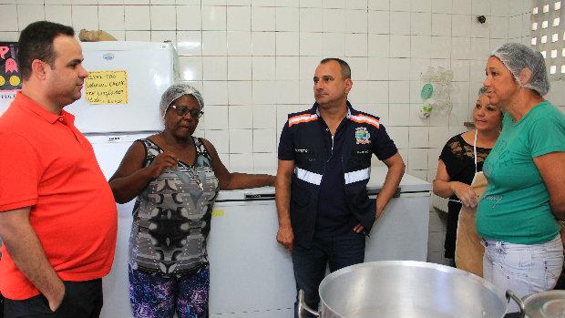 Waguinho anuncia reforma nas escolas em Belford Roxo