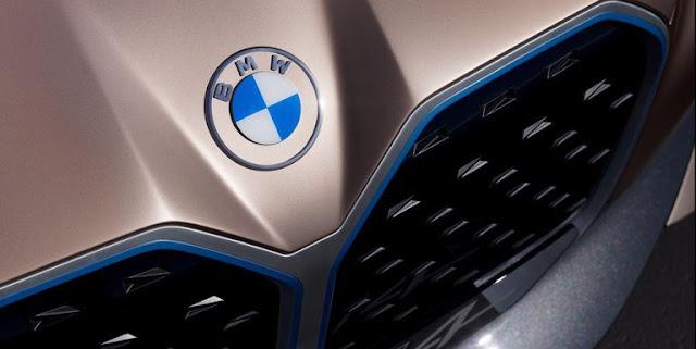 【設計】扁平化設計,為汽車品牌注入新視覺語彙 - BMW 的粉絲要慢慢習慣新型態的廠徽,和不斷變大的鼻孔造型
