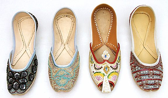 Metro Shoes For Ladies
