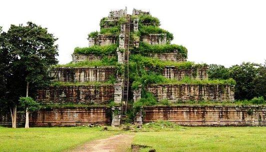 Visite Angkor en 2 Jours - Koh Ker et Beng Mealea
