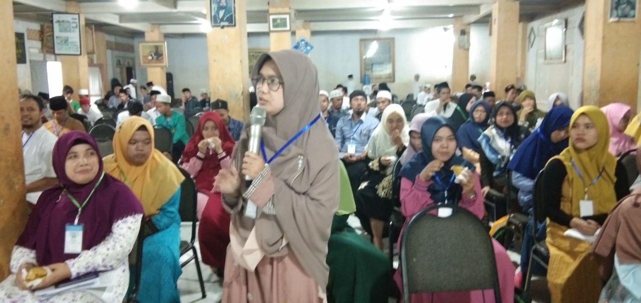 Ai Nuraeni  keripik pisang sehati rasa dari ponpes modern al-hidayah Bandung Barat