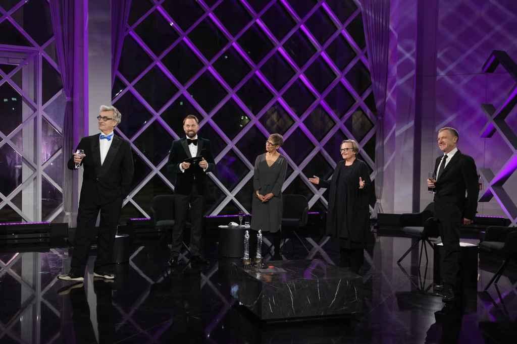 Moderado pelo apresentador de TV Steven Gätjen, o Grand Finale apresenta um line-up de atores e atrizes radicados em Berlim