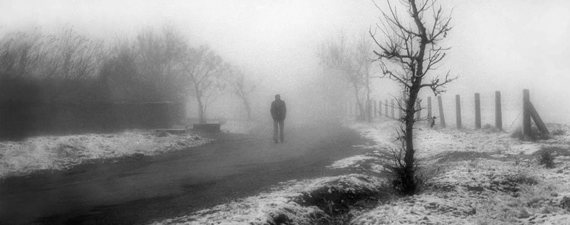 Man_in_the_mist_by_EFAREEDI.jpeg
