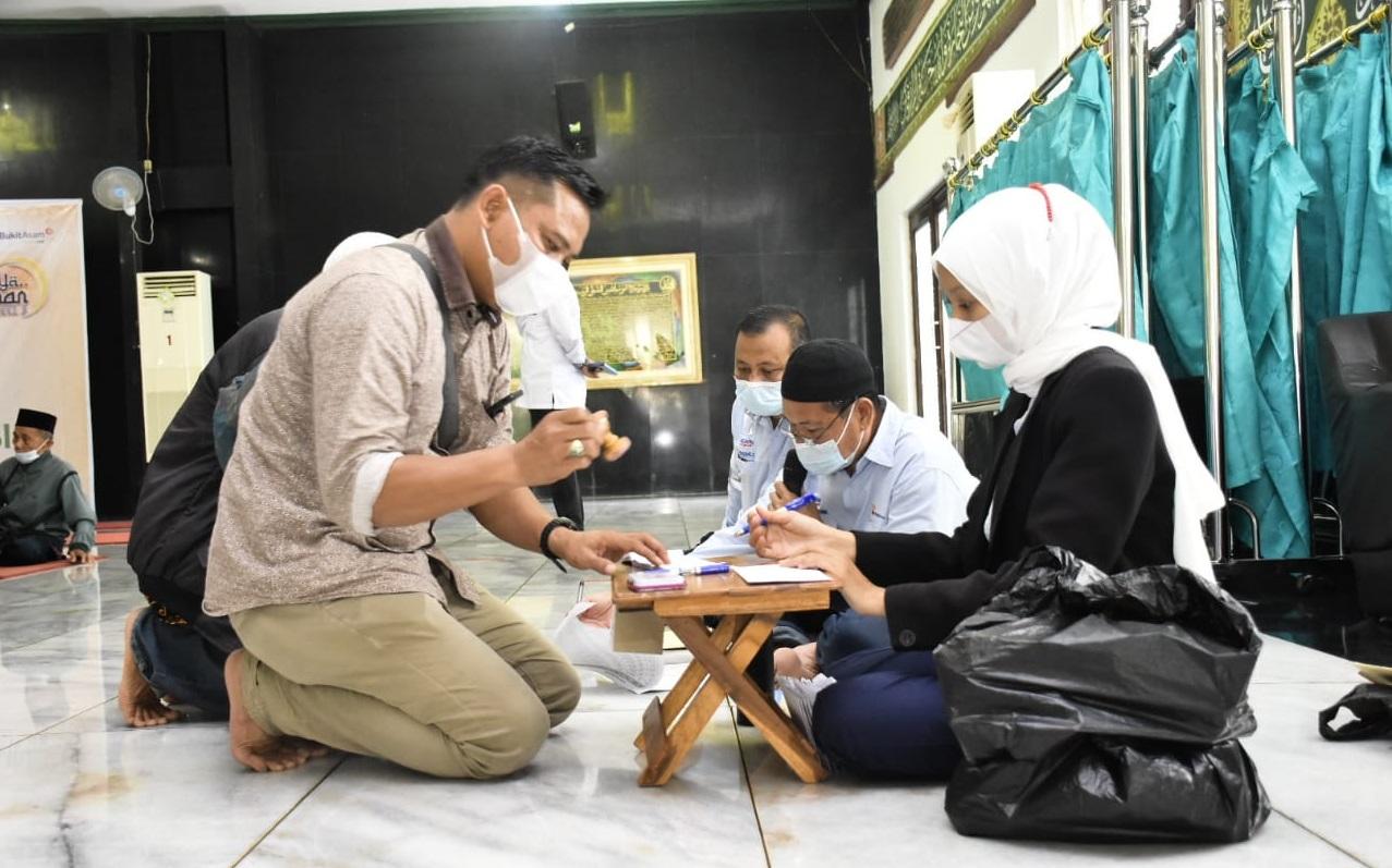 Ramadhan 1442 Hijriah, PTBA Makmurkan 74 Masjid Dan 62 Musholla Di Muara Enim dan Lahat