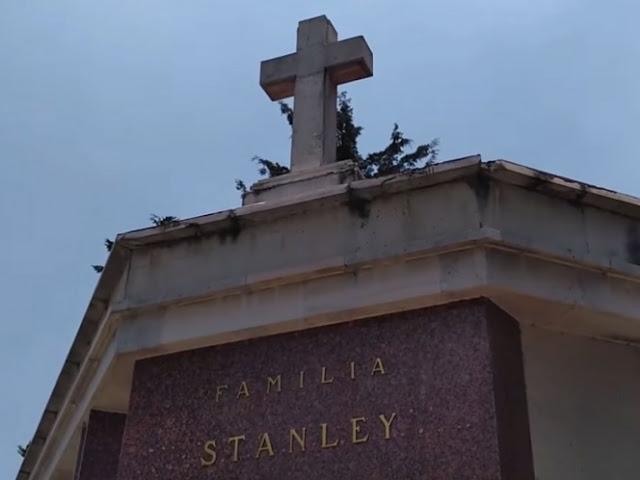La desolada tumbda de Paco Stanley, la cronica del olvido