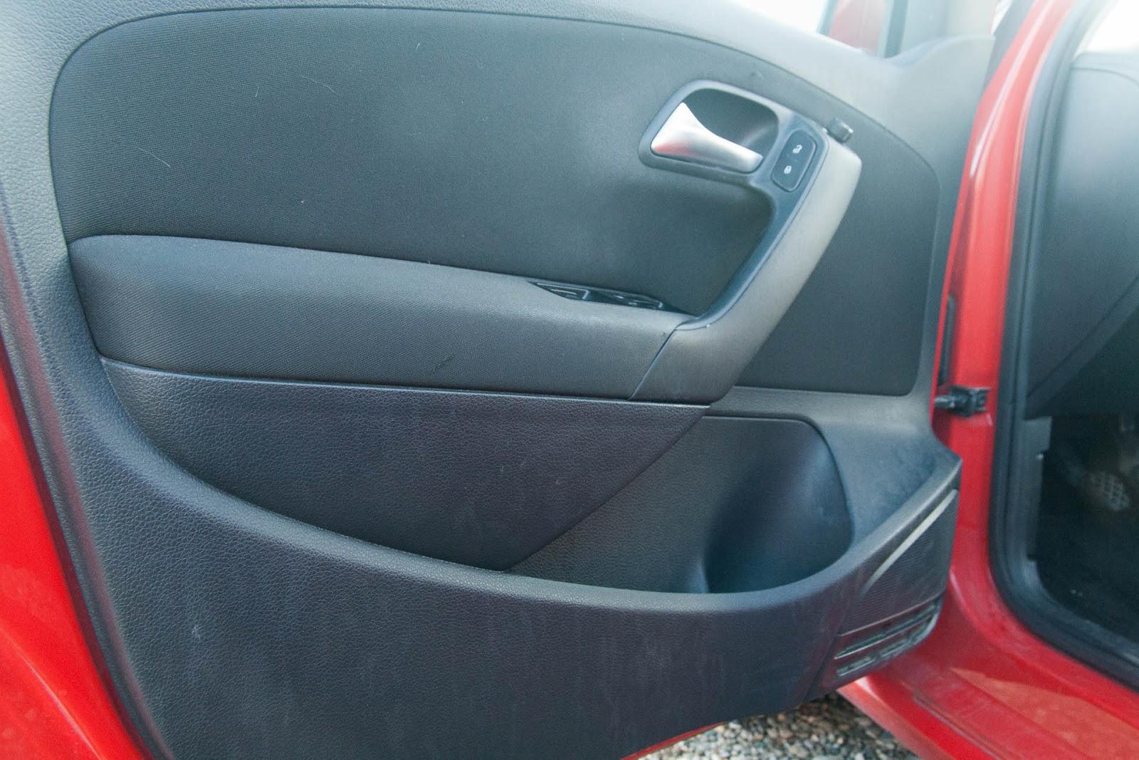 Panneau intérieur de la porte conducteur