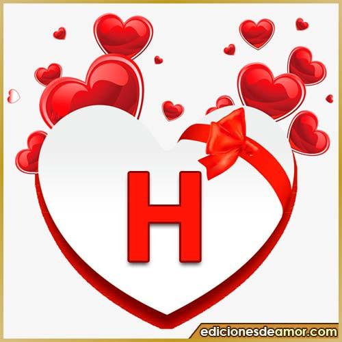 corazones volando con letra H