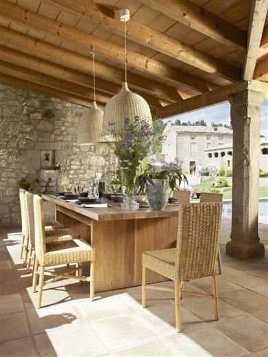 Boiserie c un portico cos il sogno di tutti for Ville con portico in legno