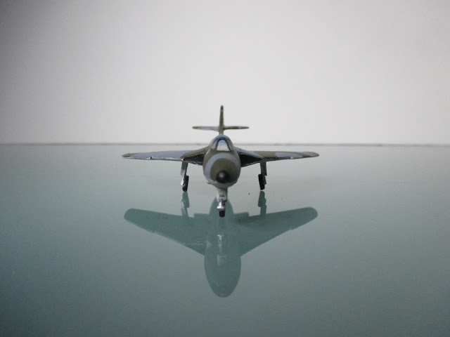 1/144 Hawker Hunter Chile diecast aircraft