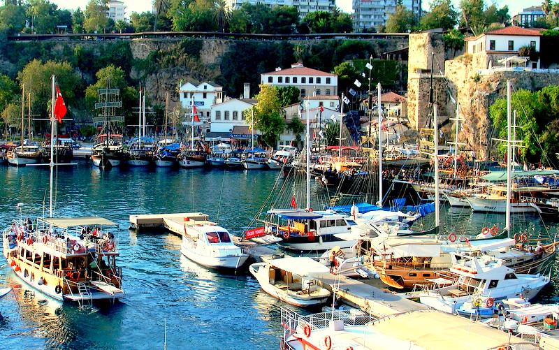 [Resim: Antalyanin-En-Guzel-Yerleri-Kaleici.jpg]