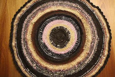 Dywanik w odcieniach brązu