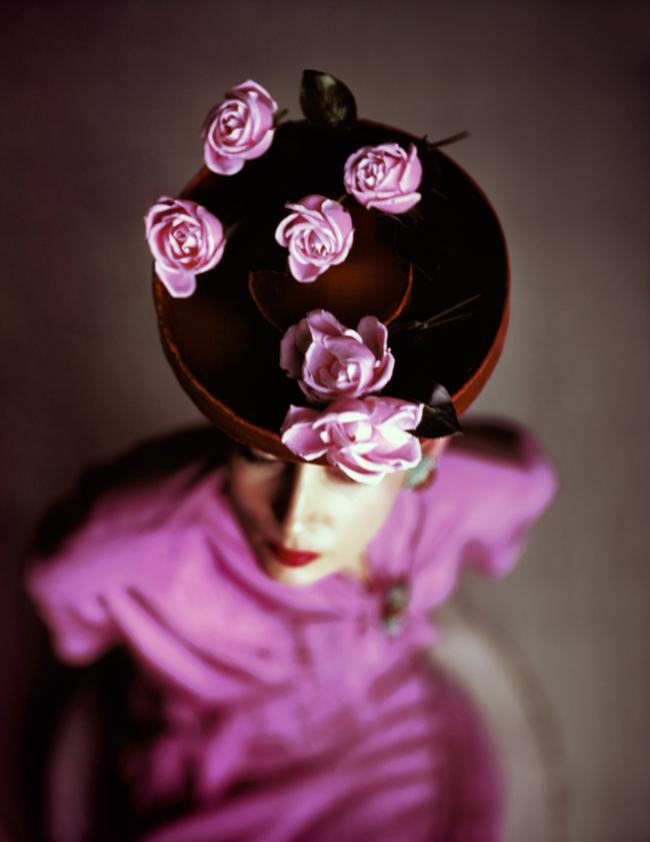 Lumas, John Rawlings, Roses