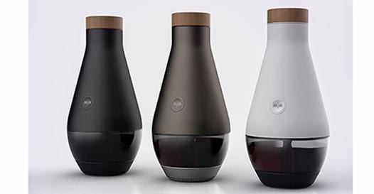 Máquina que transforma água em vinho