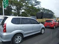 Akibat Kecelakaan di KM 10 Kemacetan Mengular Hingga Pintu Tol Sentul
