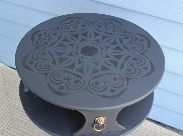 Vintage Two Tier Drum Table Transformation #dixiebellepaint #monochromaticstencil