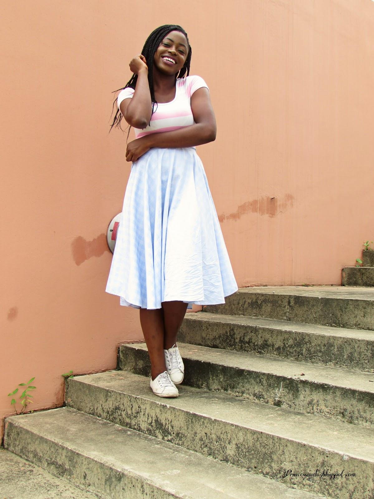 Midi skirt, plaid,stripes, crop top, sneakers, converse, mixed prints