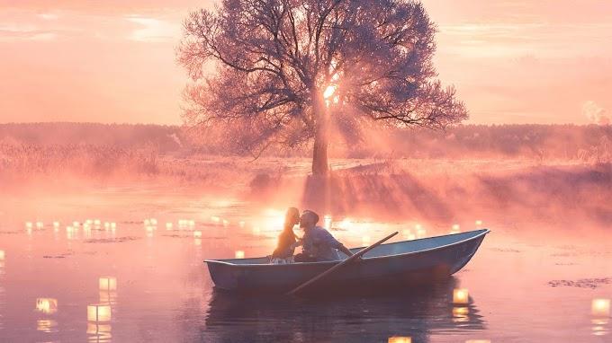 Casal Apaixonado no Lago