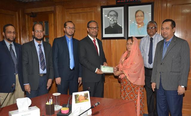 Islamic-Banks-grant-to-widow-Khadija