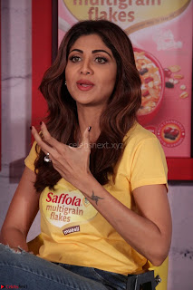 Shilpa Shetty super cute fit in Yellow T Shirt 22.JPG