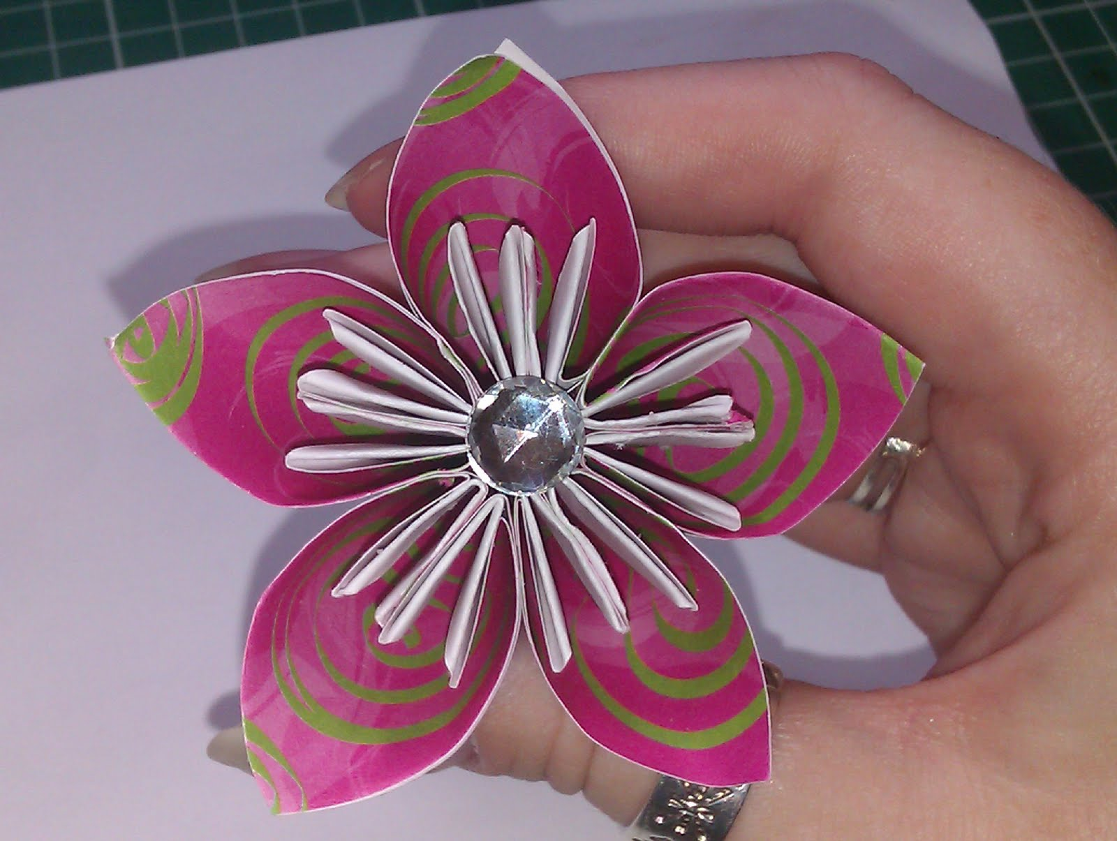 Crafty Loops: Flower Tutorial - Origami Lily Type Flower - photo#43