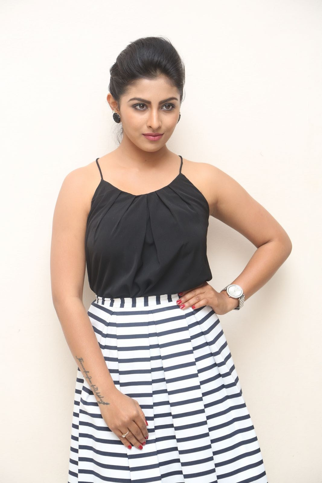 kruthika jayakumar new photos-HQ-Photo-4