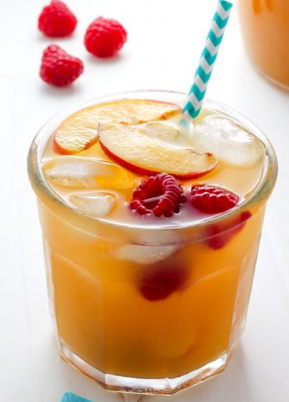 Raspberry Peach Iced Tea Lemonade #drink #party #sangria #cocktail #lemonade