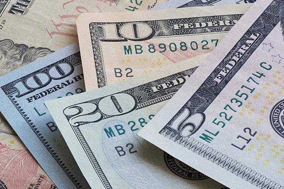 Купюры долларов разного номинала