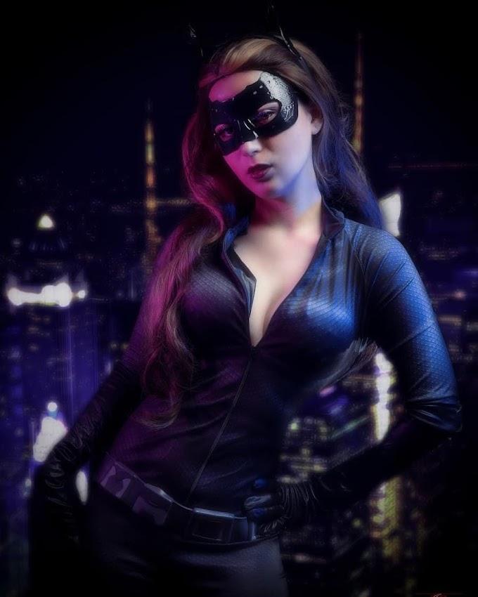 Lady Devilrose con su cosplay de Catwoman