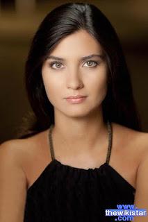 توبا بويكستون (Tuba Buyukustun)، ممثلة تركية