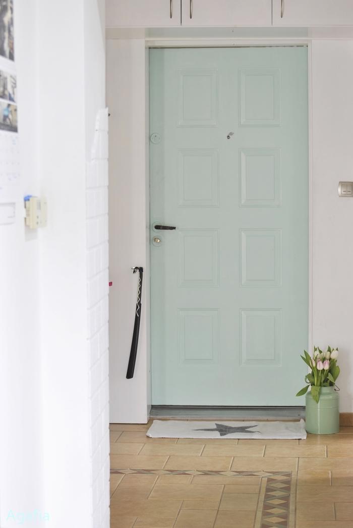 minty door
