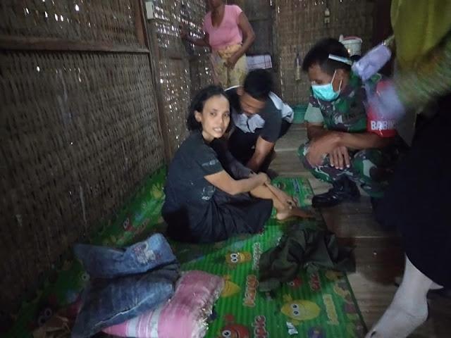 Inilah Aksi Babinsa Tlogorejo Bantu Evakuasi Warga Penderita Gangguan Jiwa Ke RSJ