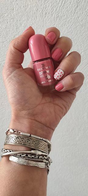 4 esmaltes rosa para esta primavera (y sus 4 manicuras) 05