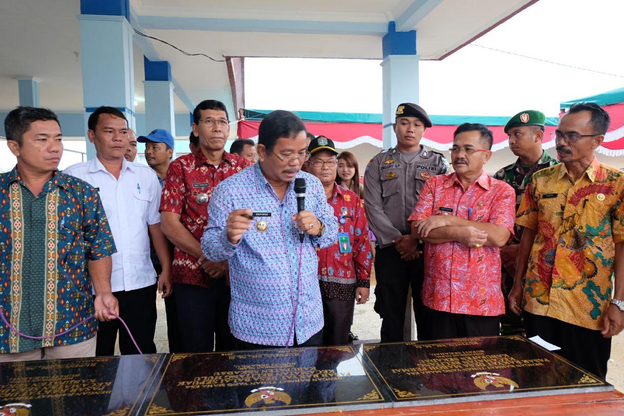 Foto 7: Peresmian Empat Pasar Rakyat di Kabupaten Sekadau di Resmikan oleh Bupati Sekadau, Jumat (6/4/2018).