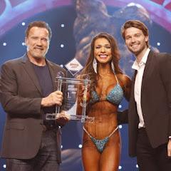 Elisa Pecini é campeã Bikini International do Arnold Classic 2020