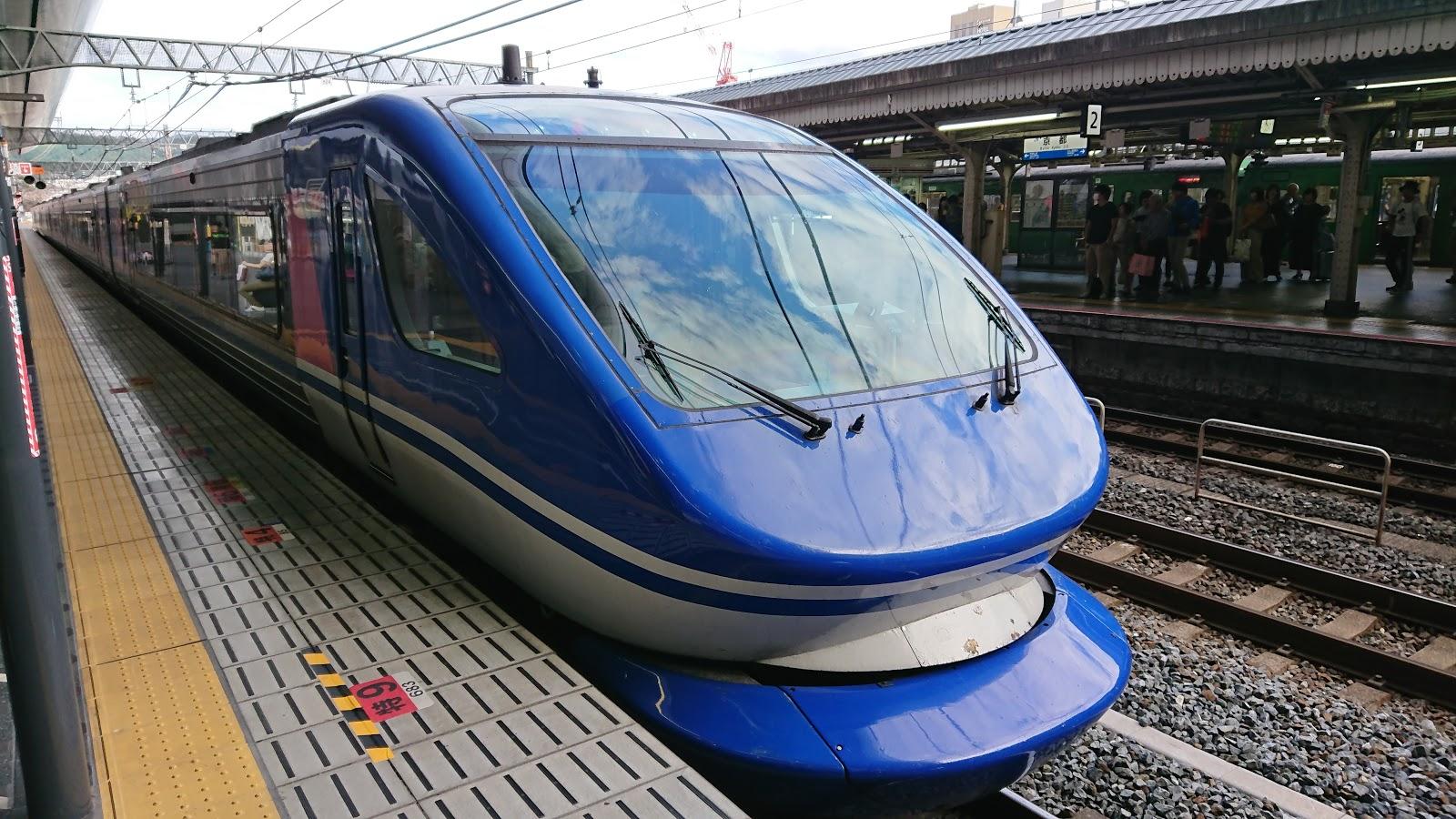 Blair's 鐵道攝影: JR西日本/智頭急行HOT7000系柴油車 超級白兔號列車 Super Hakuto