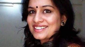 महिला IAS ने की नोटों से गांधी की फोटो हटाने की मांग, गोडसे को कहा- थैंक्यू