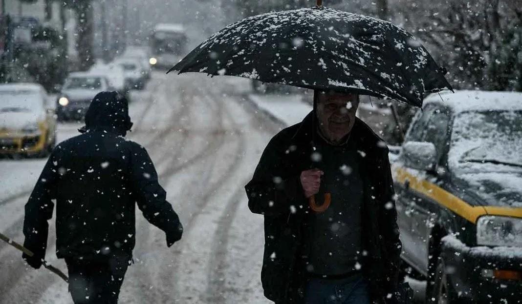 Τάσος Αρνιακός: Χιονοπτώσεις θα κάνουν την εμφάνισή τους και στην Αττική (video)