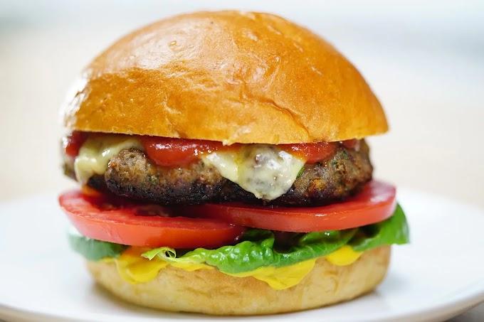How to make a hamburger at home : Beef Burgers!