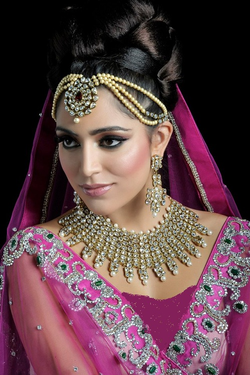 The Most Romantic Bridal Makeup Which Is Simple But Attractive Style These Types Of Mkae Are Now Familiar In Modern Faashion