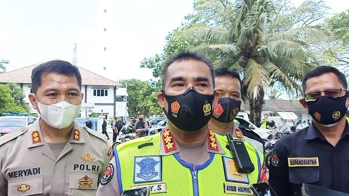 Hindari Kemacetan, Polda Banten Lakukan Penyekatan Ranmor dari Jakarta menuju Anyer
