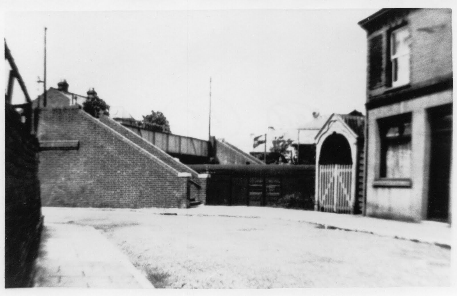 Entrance to Gosport Road station