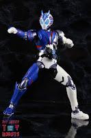 SH Figuarts Kamen Rider Vulcan Shooting Wolf 17