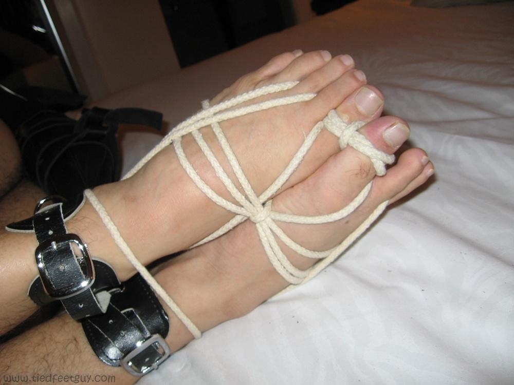 Woven Toes - TiedFeetGuy - Feet & Bondage since 2005